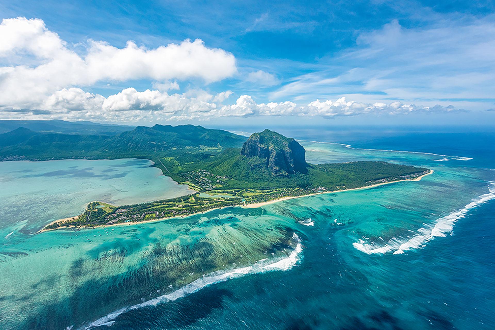 Mauritius-Beachcomber-1-MUPARL
