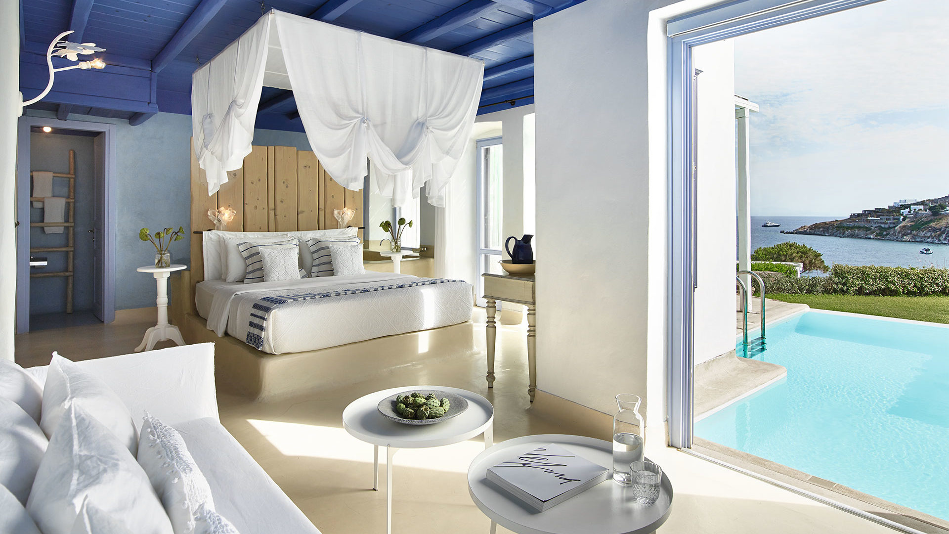 Mykonos_Blu-27-Endless-Blu-Villa-with-Private-Pool,-Master-Bedroom-with-King-Size-Bed-Overlooking-the-Sea_72dpi